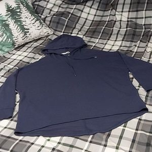 Lightweight Navy Pull Over